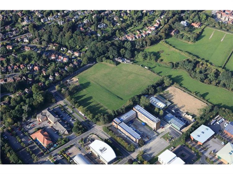 Residential property for sale in hookstone road harrogate for Sale arredate
