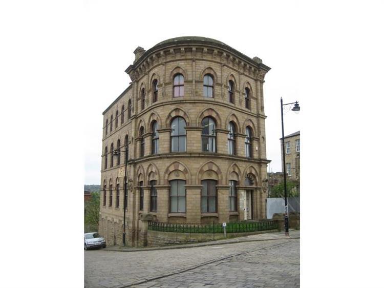 office for sale in station road batley yorkshire wf17 5su. Black Bedroom Furniture Sets. Home Design Ideas